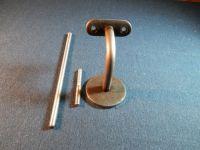 Madla zábradlí na schodiště dřevěná Držák kulatého madla Ø 42mm na zeď, schodišťového zábradlí, ocelový na kombinovaný šroub nebo závitovou tyč. Madla zábradlí na schodiště dřevěná